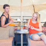 Familj som bokat Glamping tält på Gotland